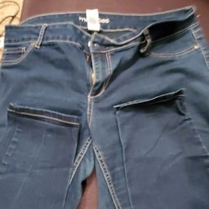 XL Navy Maurice jeans.